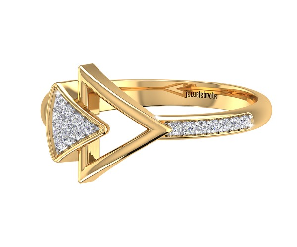 THE SPARKLING ARROW RING